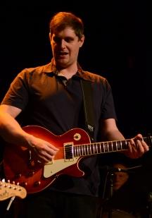 Gabriel Messervier (guitare accoustique et électrique)